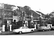 , Many North Sydney houses were built before the age of the motor car and, therefore, without garages or the space for off-street parking. By the 1970s, these thoroughfares were congested with parked cars. The photograph shows a Victorian-era street in Kirribilli in 1982. Stanton Library