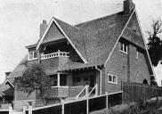 , One of three Waterhouse and Lake houses built in Cremorne Road before 1910, featured as 'A Livable Home' in <i>Building</i>, January, 1910. Stanton Library