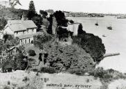 , The Gothic villa 'Ivycliff' was built above Berrys Bay in the 1860s for Charles Woolcott, the Town Clerk of Sydney City Council, who rowed across the harbour to work each day. Woolcott died in 1905. By 1930 the house was a ruin. It was demolished shortly after. Stanton Library