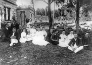 , Mcpherson family at 'Warringah Lodge', c.1890. Stanton Library.